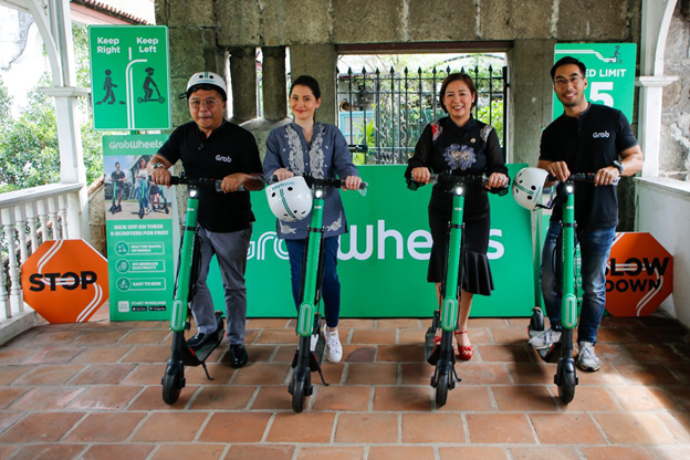 "DOT, GRAB launch eco-friendly ""ride"" in Intramuros"